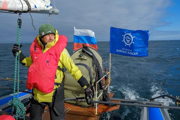 17 июня в Петропавловске-Камчатском с набережной на площади Ленина в 11 часов стартует второй этап экспедиции «Байкал-Аляска», участники которой впервые в истории мореплавания преодолеют Берингов пролив на надувном катамаране океанского класса.
