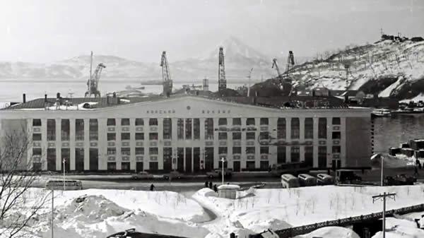 Видео составлено из архивных фото Петропавловска-Камчатского