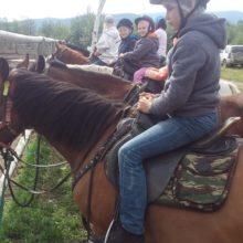 Участники очередных социальных туров покорили камчатские вершины и попробовали себя в верховой езде