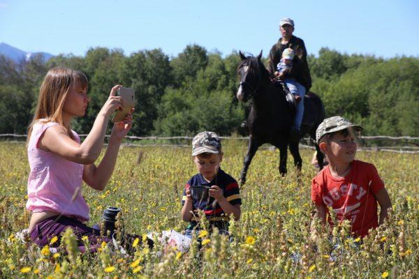 На Камчатке прошел фестиваль дикоросов «Там, где растёт кутагарник»