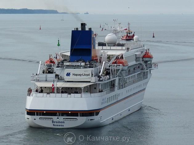 Круизный лайнер «Bremen» подошел к берегам Камчатки