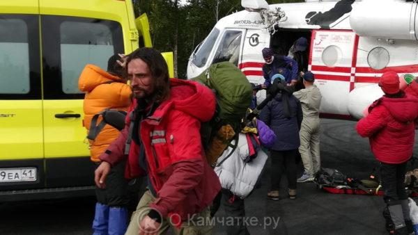 На Камчатке эвакуировали двоих туристов, пострадавших от камнепада при восхождении на вулкан Ключевская сопка