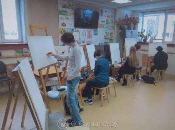 Художники Петропавловска-Камчатского готовятся к Дню города