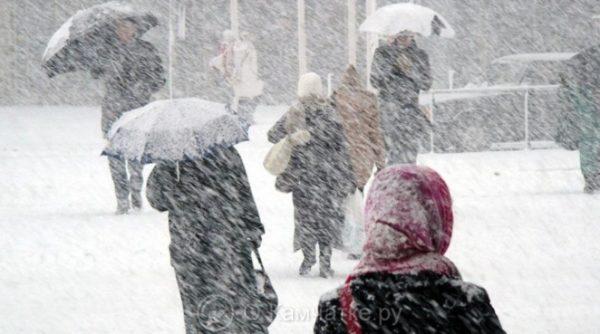 Петропавловск-Камчатский готовится к подходу циклона