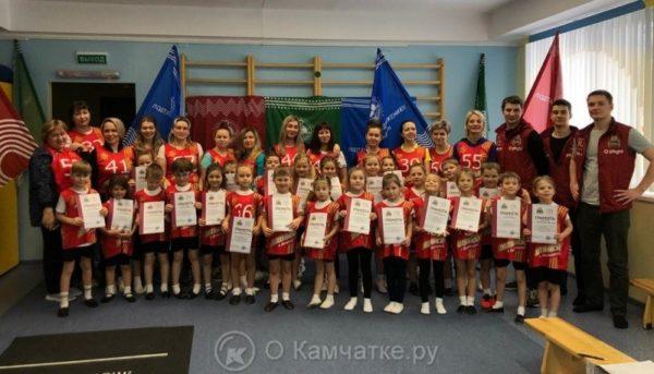 В Петропавловске-Камчатском продолжаются мероприятия по сдаче нормативов общей физической подготовки в дошкольных образовательных учреждениях
