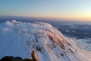 На Камчатке туристов просят не ходить на Авачинский вулкан из-за возможного извержения