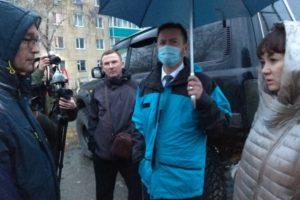 Глава города поручил решить вопрос с водоотведением на придомовой территории по ул. Циолковского, 34