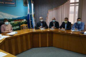 Организацию своевременного вывоза мусора обсудили УК и «Спецтранс»