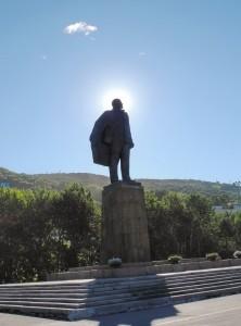 Памятник В.И. Ленину на Театральной площади